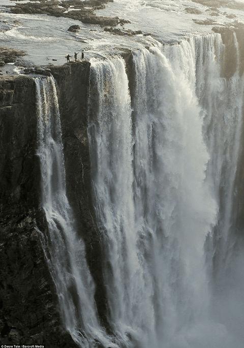ヴィクトリアの滝の画像 p1_38
