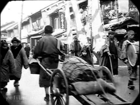 今から100年前の日本、大正2年と4年の東京を撮影した貴重な4分間の映像