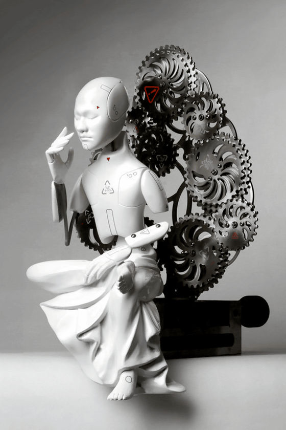 ラスボス感たっぷりな、動く未来型サイボーグ仏像