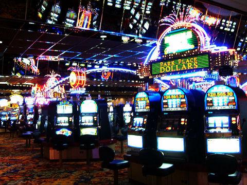 国民の7割が反対のカジノ、入場...